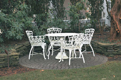 antique-garden-furniture-photo - Antique Garden Furniture Price Guide - Antiques Prices