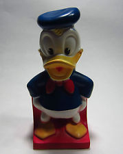 1971-donald-duck-blue-shirt-red-tie
