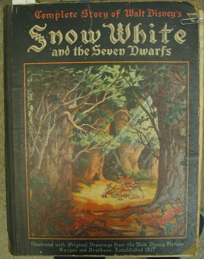 Walt-disneys-snow-white-and-the-seven-dwarfs-book