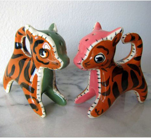 napco-salt-and-pepper-shakers-patchwork-tigers