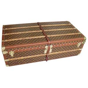 Louis-Vuitton-cabin-trunk