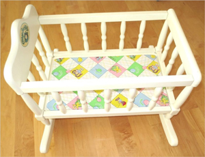 cabbage-patch-wooden-cradle-bed